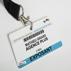 Badge PVC perforé